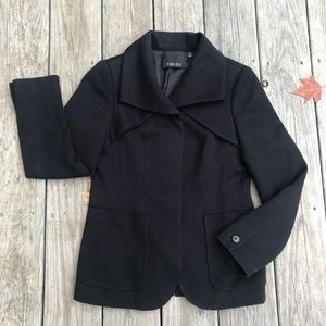 Carlisle black wool hidden button blazer